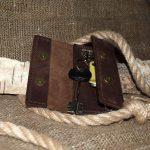 Кожаный чехол для ключей - раскладушка.